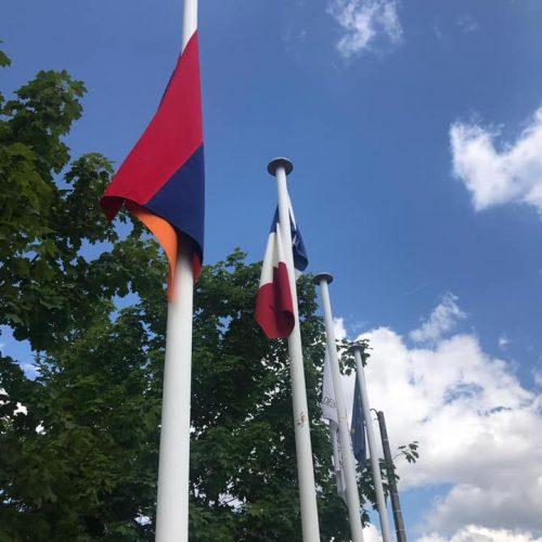 colo drapeaux
